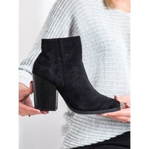MARQUIZ BOOTIES ON A WIDE POST