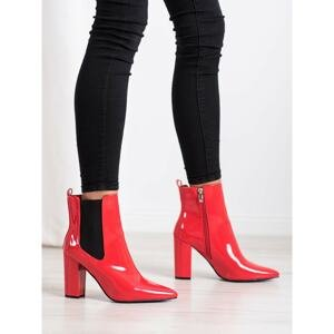 YES MILE LACQUERED BOOTIES IN THE SPIKES