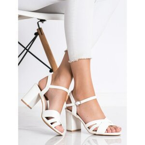 LAURA MODE CASUAL WHITE SANDALS ON THE POST