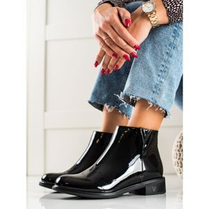 BLACK LACQUERED VINCEZA ANKLE BOOTS