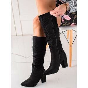 BOOTS WITH A RUFFLED VINCEZA UPPER